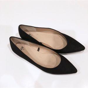 EUC H&M Black Pointed Flats Size 8
